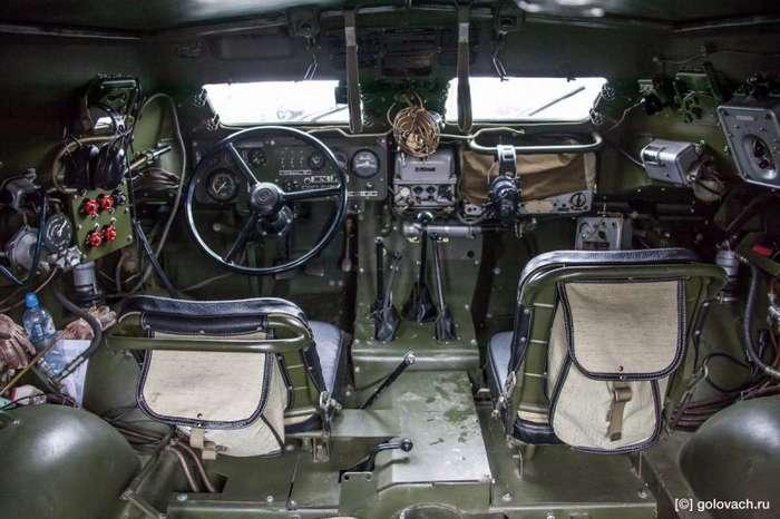БРДМ-1: восьмиколёсный и к тому же плавает-18 фото-