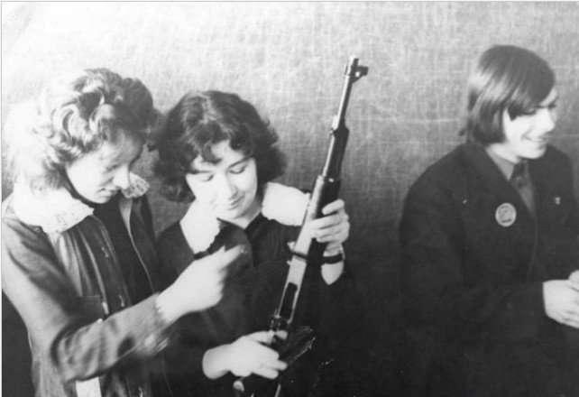 Забавный случай с советскими школьницами в США-2 фото-