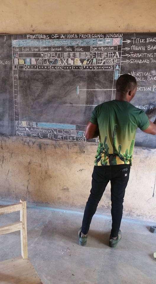 Вот так в деревенской школе Ганы преподают информатику-3 фото-