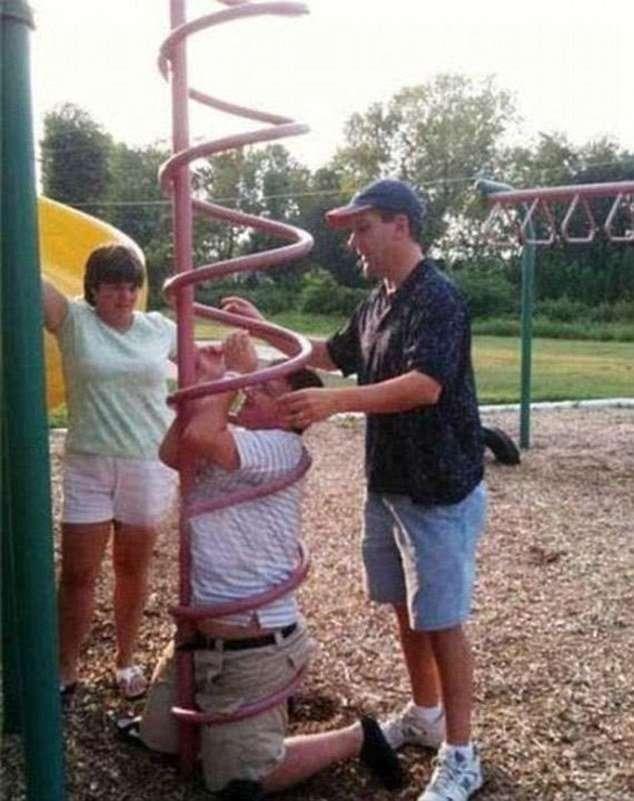 Что происходит, когда некоторые решают вспомнить детство-12 фото-