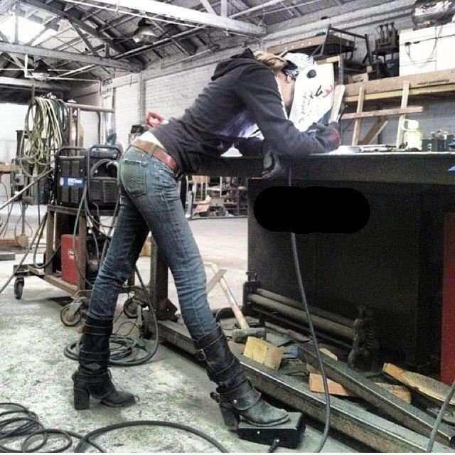 Хрупкие красотки, которые справляются с мужской работой: кто сказал, что не женское это дело?-15 фото-