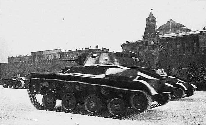 Подготовка и Военный парад на Красной площади 7 ноября 1941 года-32 фото-