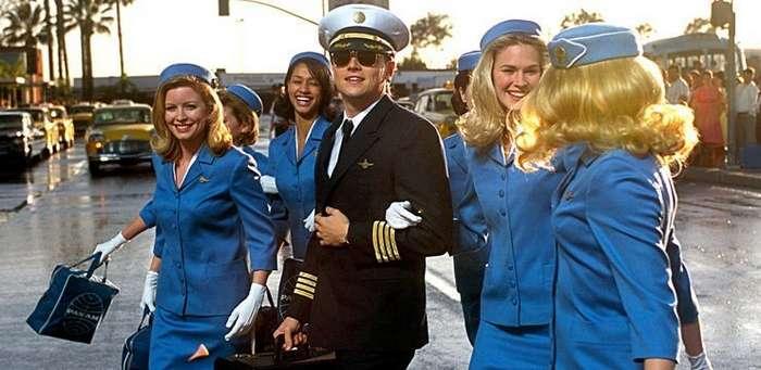 Почему пилот без бороды, сколько крыльев у самолета, экипаж – это гарем?-1 фото-