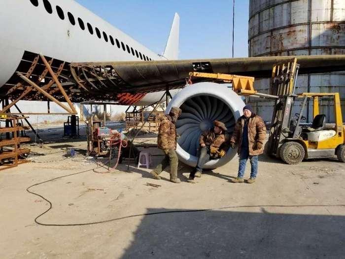 Китайский фермер потратил $125 000 на создание копии Airbus А320-12 фото-