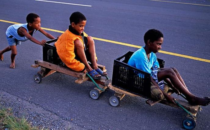 Уникальный фотопроект: как проходит детство у ребятни из разных стран мира?-14 фото-