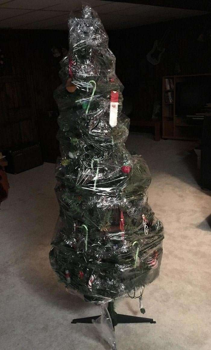 20 смешных и гениальных случаев, когда людям было лень украшать дом на Рождество-20 фото-