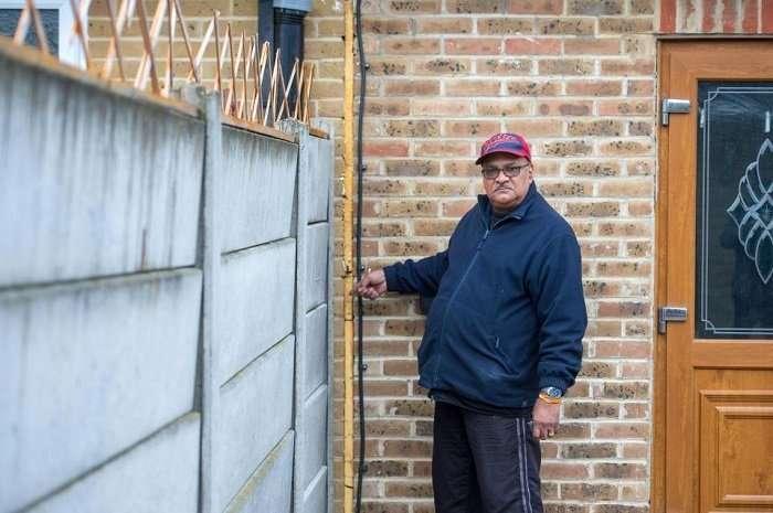 Семейная пара из британского гордка Эндербай спрятала целый дом за гаражной дверью-6 фото-