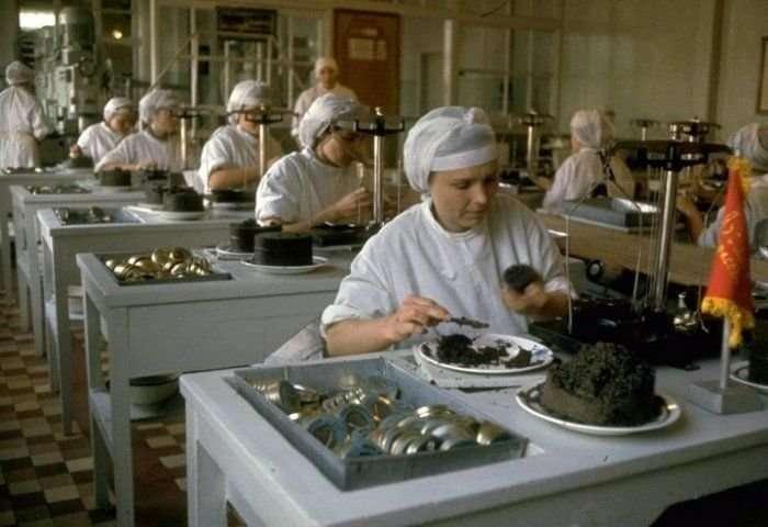 Как добывали черную икру в СССР на фотоснимках американского фотографа-15 фото-