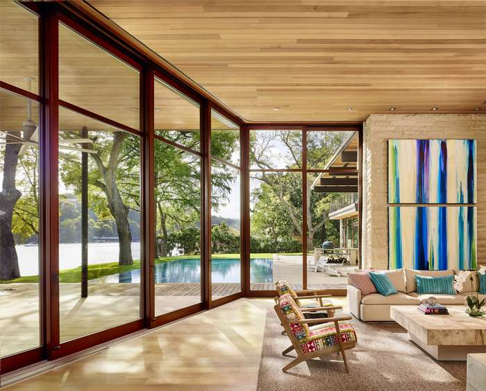 Романтичный интерьер дома у озера в Остине