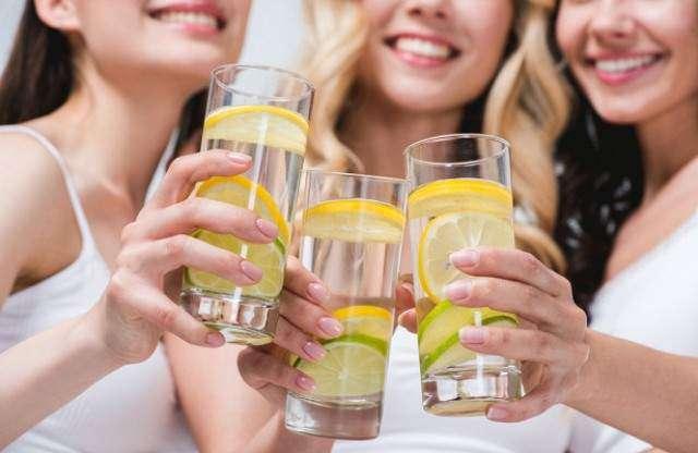 Бывают случаи, когда воду пить категорически нельзя