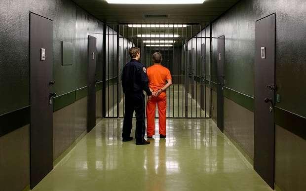 Настало время оглядываться по сторонам. Четверка знаменитых преступников, которые могут выйти на свободу в 2018 году
