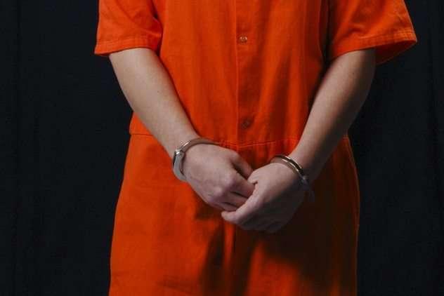 -Все имеют свойство вляпываться в неприятности-, или как некоторые представительницы слабого пола угодили за решетку, а потом сбежали из тюрьмы. Часть 1