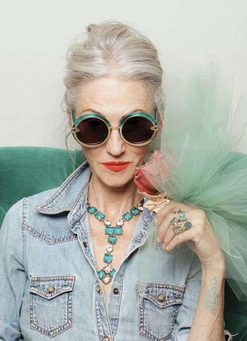 13 вещей, которые точно пора выкинуть из шкафа женщинам после 40 лет