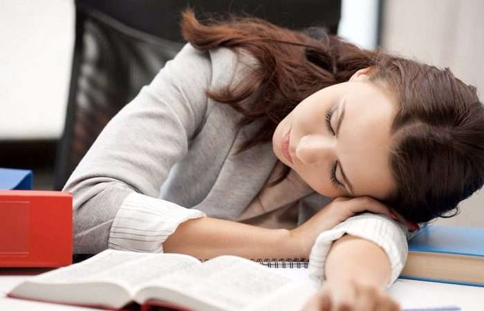 3 причины, почему дремота не вредна, а полезна для мозга