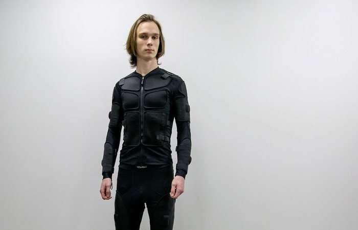 Белорусы создали -одежду будущего-, которая умеет имитировать боль