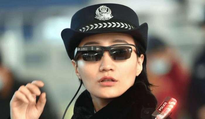 -Умные очки- в Китае помогают ловить преступников