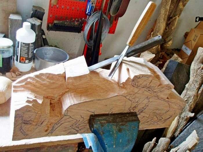 Мастерское превращение деревяшки в произведение искусства