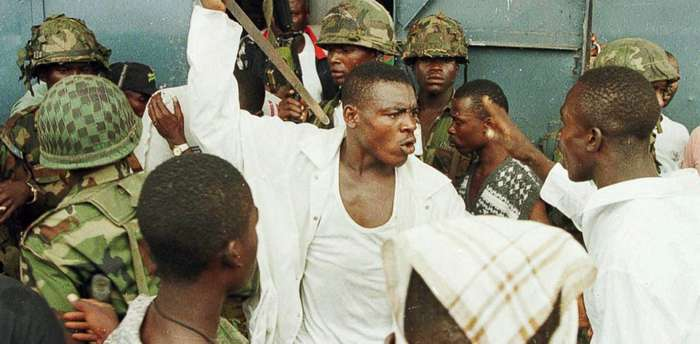 Он шел в бой голым и ел человеческие сердца. Жуткая и кровавая история либерийского -Генерала без Штанов-