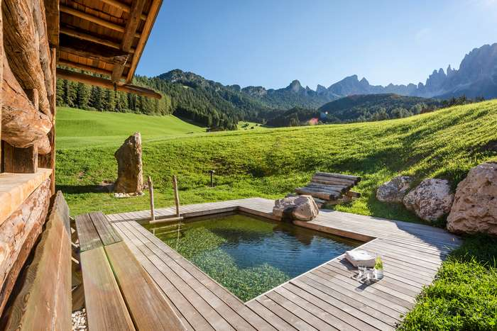 Отель на лоне Доломитовых Альп