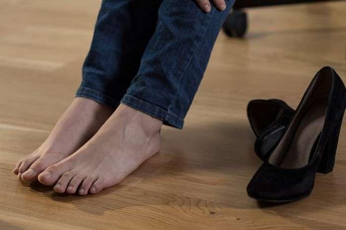 Как правильно растянуть замшевую обувь
