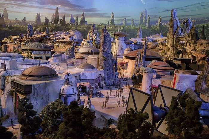Дисней строит два новых парка «Звездных войн»