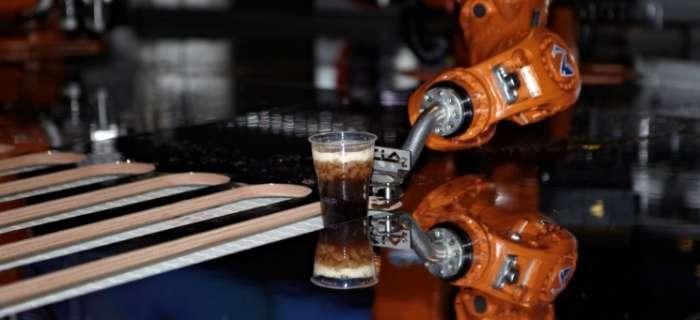 Немцы создали робота, который умеет приносить правильный сорт пива прямо из холодильника