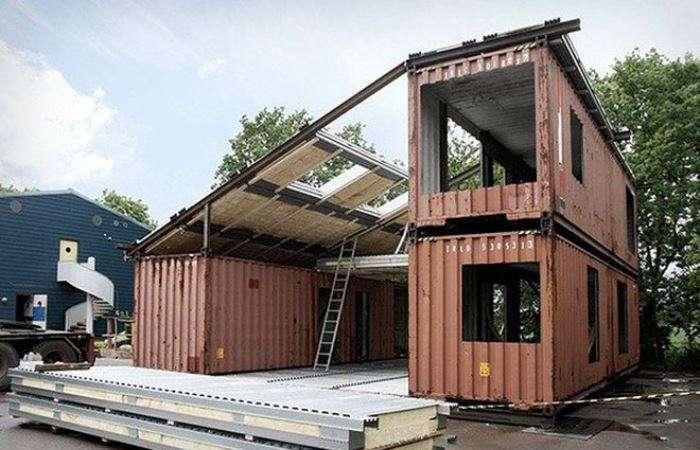 Три контейнера и немного старания позволили получить полноценный жилой дом
