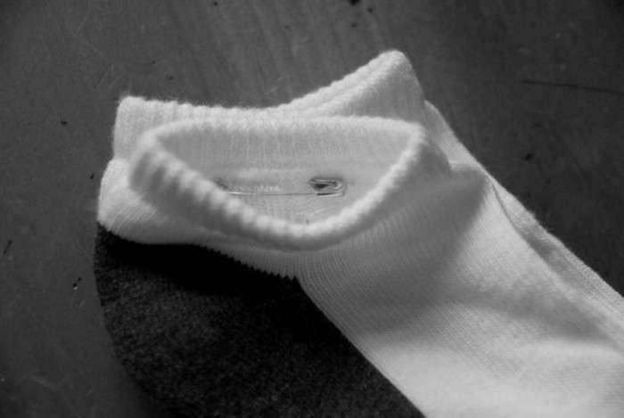 Как больше не терять один носок из пары: 5 проверенных способов