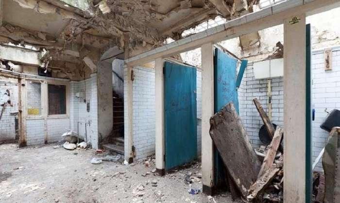 Общественный туалет площадью 55 кв метров превратили в комфортное жилище