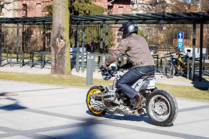 Польский дизайнер создает эпический мотоцикл со -зверским- мотором