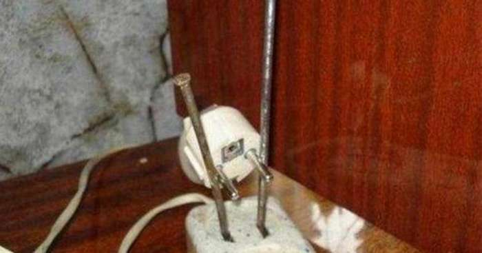 Яркий и искрящийся юмор электриков