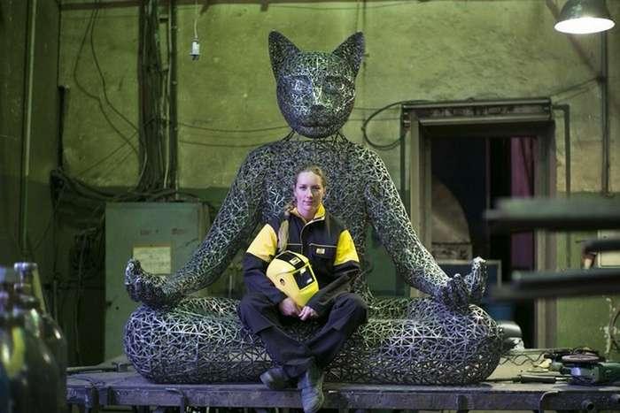 Александра Ивлева: медитирующий кот Тихвами и компания