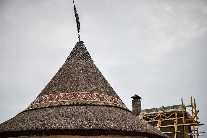 Провинциальное фэнтези. Бизнесмен из глубинки купил дом в деревне и создал там нечто невероятное