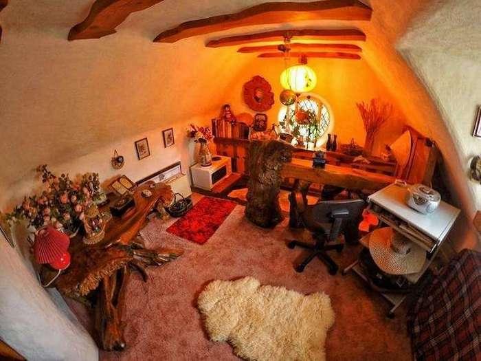 Суперфан -Властелина Колец- построил свой собственный домик хоббита