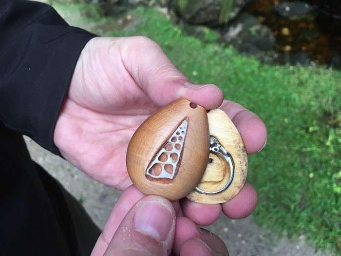 Девушка целый год носила помолвочное кольцо, не зная об этом