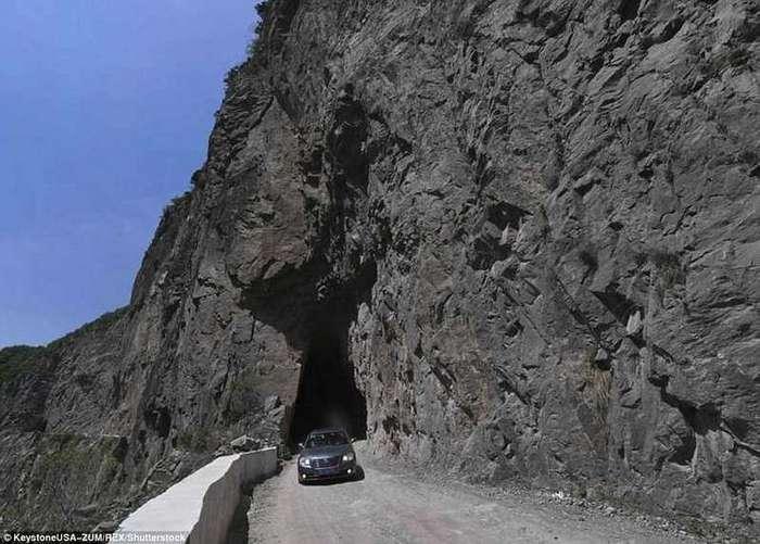 800 китайцев построили дорогу за 50 лет