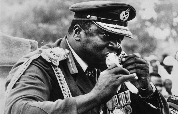 Тушеная кобра и -сахарная свинина-: шокирующие гастрономические пристрастия диктаторов ХХ века