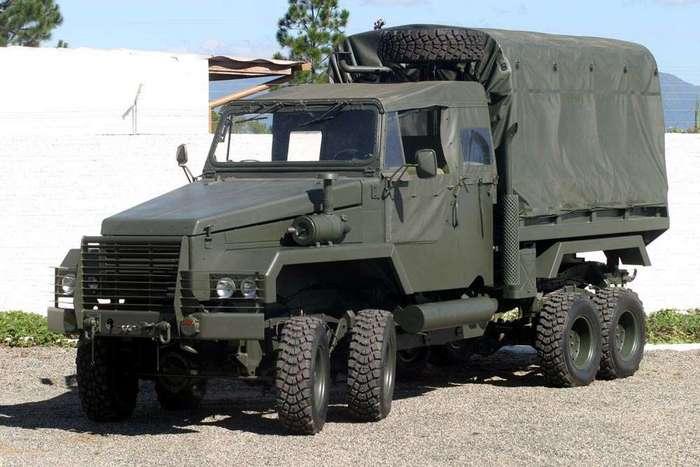 M-8 Octopus: восьмиколёсный грузовик для бразильской армии