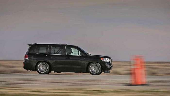 Toyota Land Cruiser разогнался до 370 километров в час