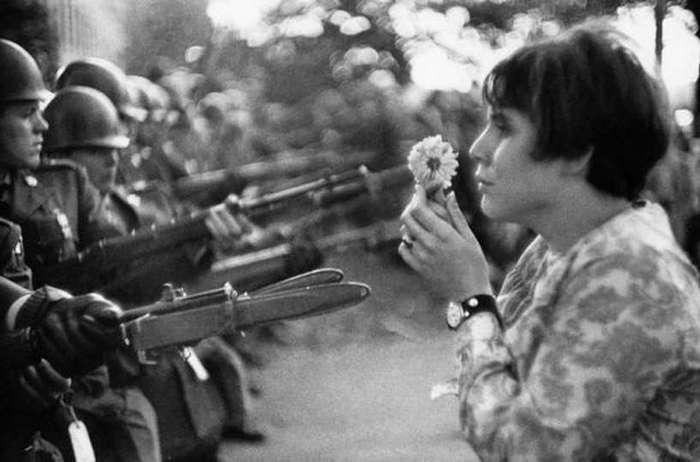 Цветы лучше пуль.