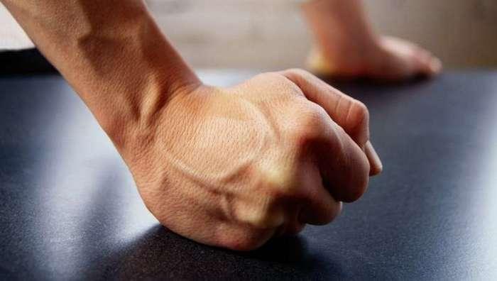 Как вы сжимаете кулак? Тест на определение характера