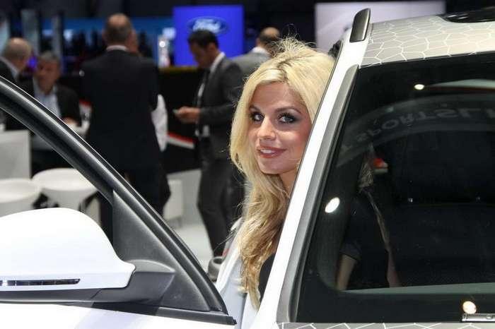 Девушки с Женевского Автосалона