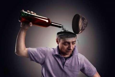 Оксфордские ученые доказали взаимосвязь утраты памяти и употребления алкоголя