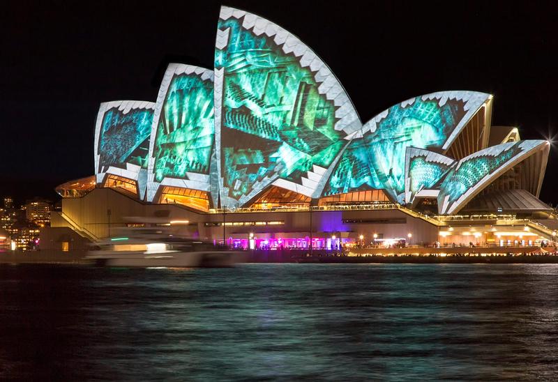 Сиднейский оперный театр во время фестиваля Vivid Sydney