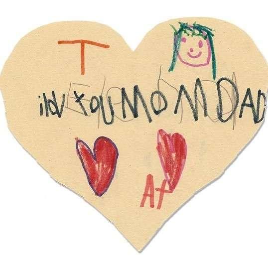 6-летняя девочка, зная что умрёт, спрятала по всему дому сотни писем своей семье
