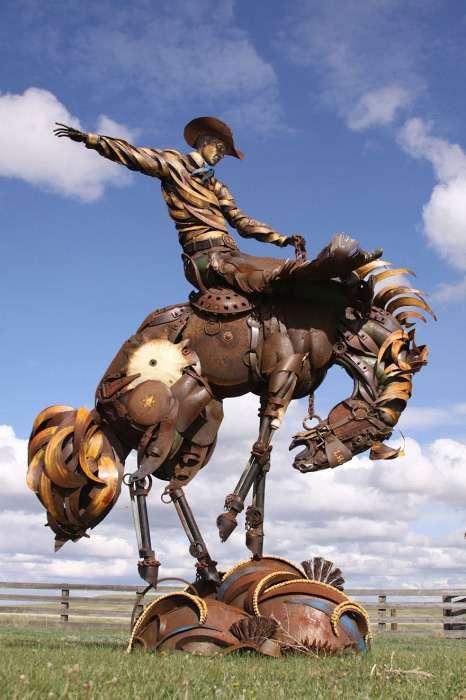 Потрясающие скульптуры из металлолома и старых деталей сельхозтехники
