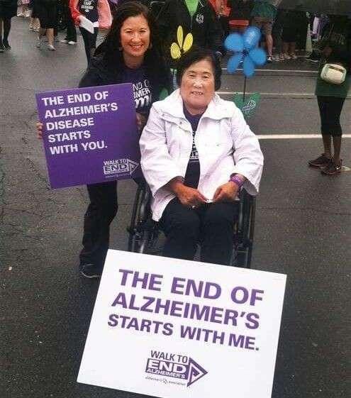 Дочь каждый раз рассказывает своей маме с болезнью Альцгеймера, что она беременна