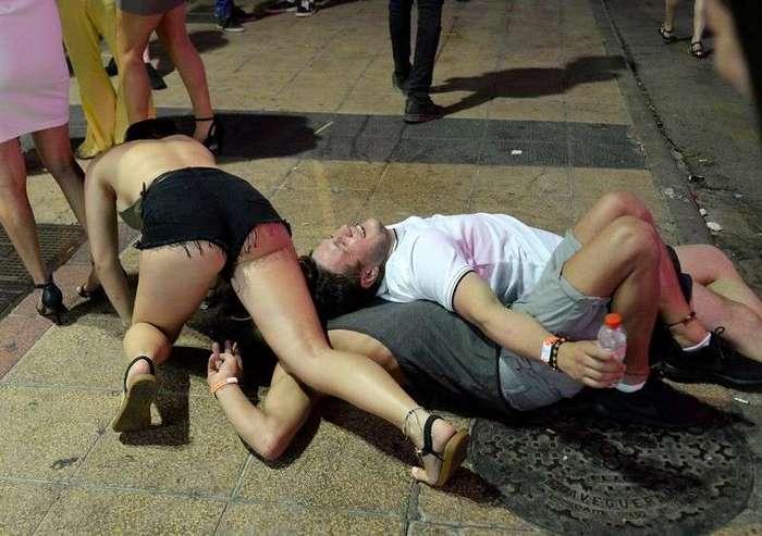 Жители испанских курортов устали от пьяных выходок английских туристов