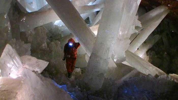 Пещера гигантских кристаллов