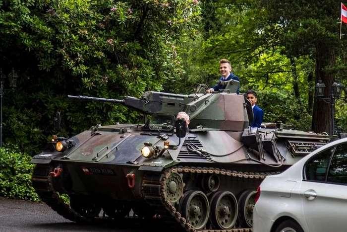 На выпускной на танке